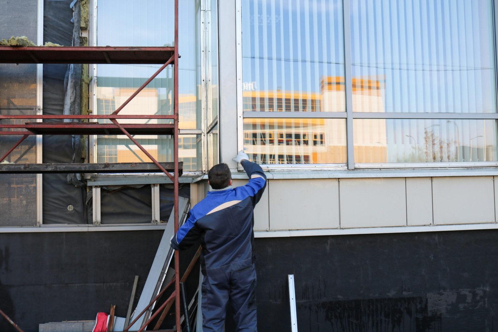 Стоимость ремонта пластиковых окон